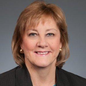 Lynn Schade, Senior Banker